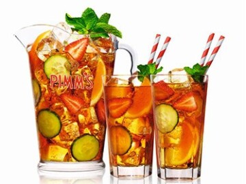 Pimms & Bubbles Bar - serving wine, prosecco, lager and fine champagnes.